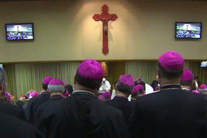 """El Papa, a los obispos italianos: """"Es un contratestimonio y un escándalo hablar de pobreza y llevar una vida de lujo"""""""