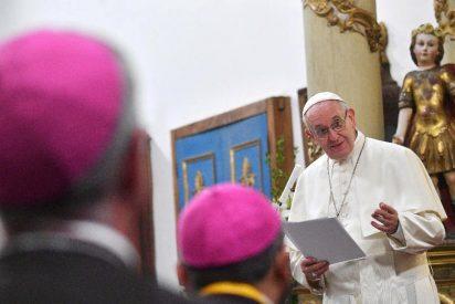 """Francisco pedirá a los obispos chilenos que afronten su responsabilidad """"en esas heridas devastadoras"""""""