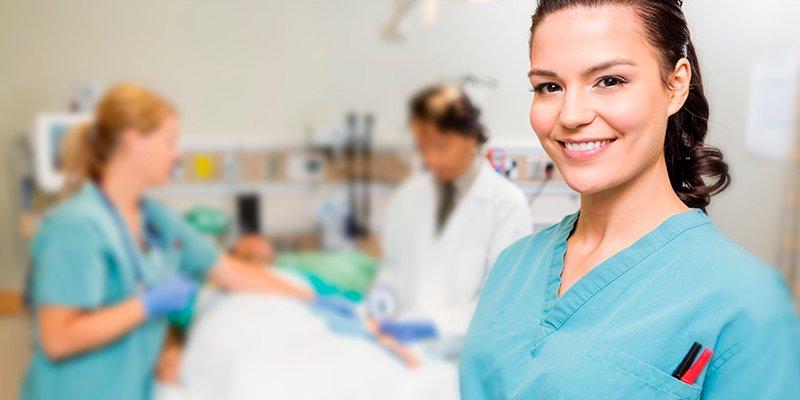 ¿Sabías que enfermería es la profesión que los robots no consiguen imitar?