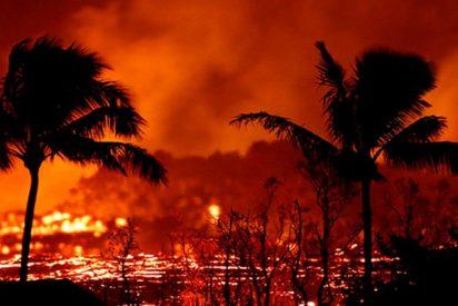 Esta nueva erupción del volcán Kulauea ilumina el cielo nocturno de Hawái