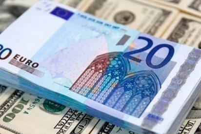 Dos estudiantes devuelven en Lugo 6.000 euros que encontraron en la calle