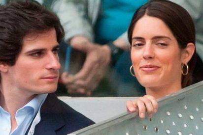 Fernando Fitz-James Stuart, se deshace en atenciones con su prometida, Sofía Palazuelo