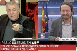 Iglesias ni se inmuta cuando Ferreras le saca los datos del CIS y de postre le reprocha que no se pregunte por la Monarquía