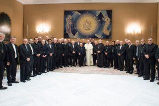 """El Papa exige a los obispos chilenos un """"firme propósito de reparar los daños causados"""""""