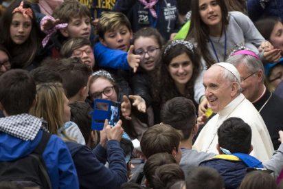 """El Papa, a los jóvenes: """"No levanten muros, construyan puentes"""""""