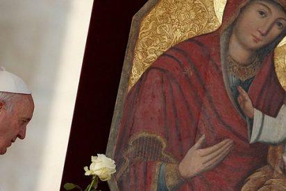 """El Papa proclama: """"La Iglesia es femenina, es madre"""" y no puede ser """"una Iglesia de solterones"""""""