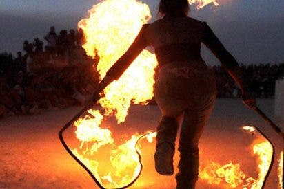 Este chico intenta hacer un truco con fuego y pasa esto…