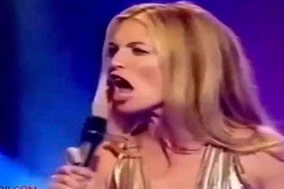 Una presentadora de televisión que asusta...