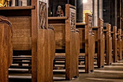 Esta mujer interrumpe a gritos al coro de una iglesia con una petición muy particular