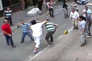 El turista irlandés que corrió a puñetazos a una turba de turcos