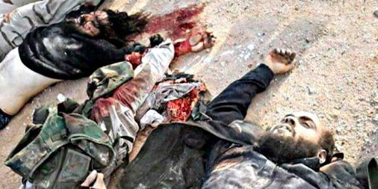 Cazando uno a uno terroristas islámicos en una colina de Siria