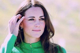 Kate Middleton se 'morrea' con otra mujer para asombro de los recatados ingleses