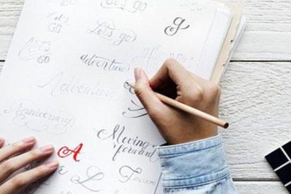 ¿Sabes por qué la letra 'A' es de color rojo en distintos idiomas?