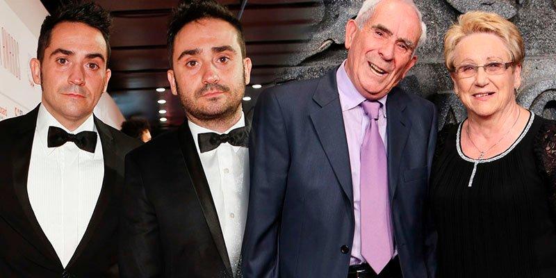 Bayona y sus padres destacan entre las estrellas de Hollywood en la alfombra roja de 'Jurassic World'
