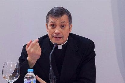 """Monseñor Lucio Ruiz: """"Francisco acaricia con sus palabras de misericordia y de ternura"""""""