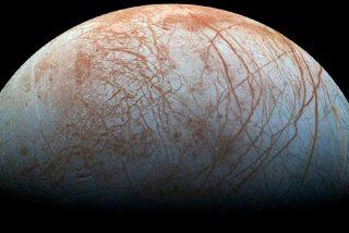 ¿Sabías que la sonda Galileo detectó géiseres en la luna Europa sin advertirlo?