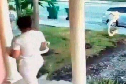 Un hombre intenta violar dos veces a esta mujer en la puerta de su casa