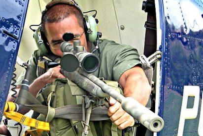 La precisión del francotirador de la Policía: un sólo balazo y le arranca la pistola de la mano