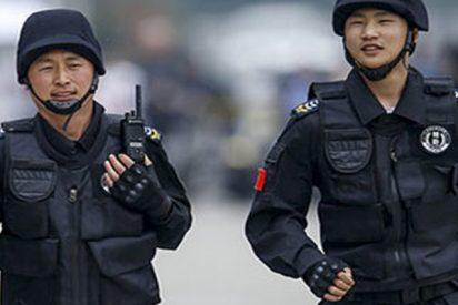 Estos policías chinos explican la mejor defensa contra un agresor con cuchillo
