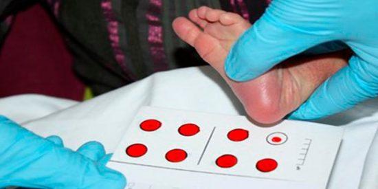Cs quiere que la sanidad pública incluya la prueba del talón en bebés para detectar inmunodeficiencias combinadas graves