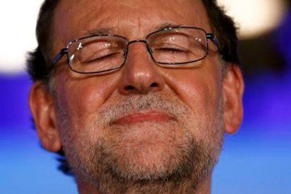 Rajoy felicita al Atlético de Madrid por la Europa League y las redes le dan la del pulpo