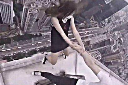 Los dos tarados que se juegan la vida bailando al borde del rascacielos