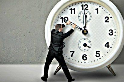 ¿Cuánto tiempo de nuestra vida pasamos...? De pie, durmiendo, comiendo, estudiando, trabajando...