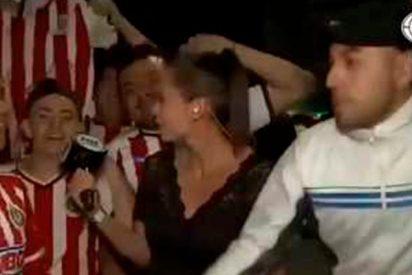 """Esta reportera de la """"Fox"""" sacude un guantazo a un hombre en pleno directo"""