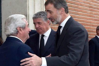 El Rey Felipe no falta a la misa funeral por su primo Alfonso Moreno de Borbón