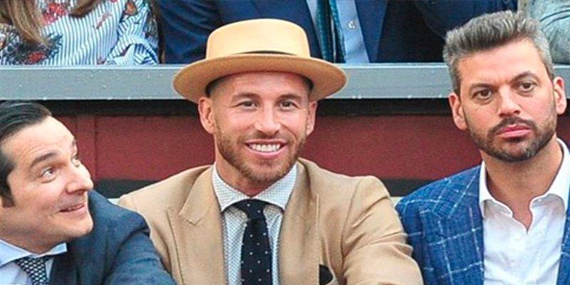 Sergio Ramos se viste de Buster Keaton para ir a los toros con Koke y Gabi Fernández