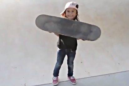 La niña de 8 años que desafía las leyes de la gravedad