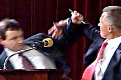 Cuando los políticos se lían a sopapos, bofetadas y puñetazos