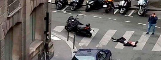 """París: Un muerto y cuatro heridos en un ataque terrorista con cuchillo al grito de """"Alá es grande"""""""