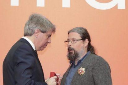 Agustín Rodríguez Teso, el cura de La Cañada, premiado con la Encomienda de la Comunidad de Madrid