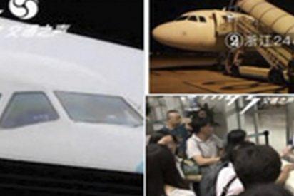 ¡Terror en el aire!: Fuertes turbulencias rompen el parabrisas de un avión chino