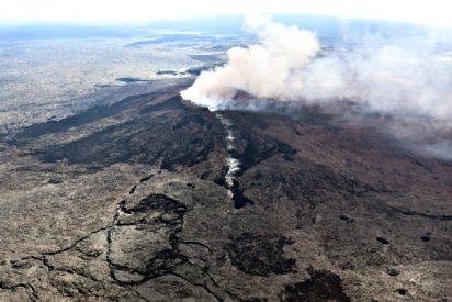 Hawai declara el estado de emergencia y cientos huyen de sus casas por la erupción del volcán Kilauea