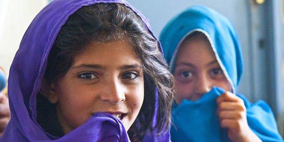 ¿Sabías que la mitad de los niños afganos no van a la escuela por los combates y la discriminación?