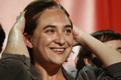 Hunden a 'Nada' Colau por ofrecer Barcelona para acoger a otros 1.000 inmigrantes a la deriva