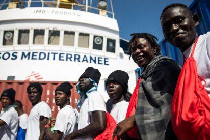 Sánchez se queda sin cortar el bacalao con los migrantes del 'Aquarius': su propuesta hace agua