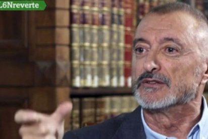 El cachondo tuit de Pérez-Reverte que se hace viral con el Gobierno de 'ministros y ministras'