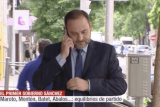 Escuetísima despedida a Miguel Ángel Oliver en su propio informativo de Cuatro