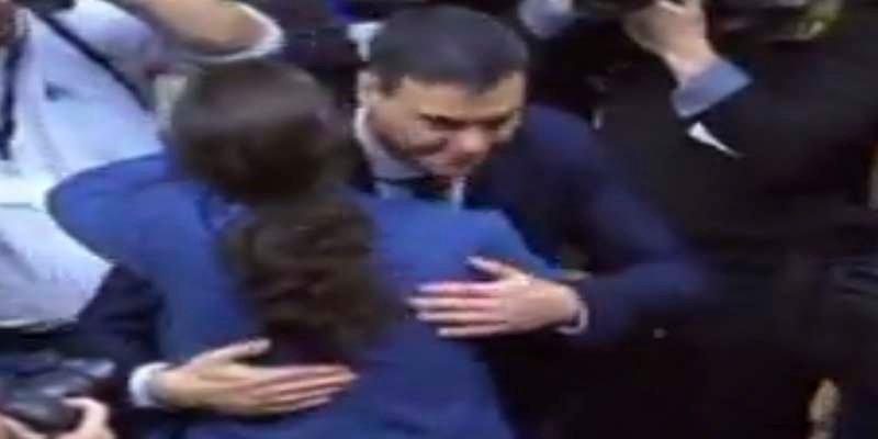 Pedro Sánchez y Pablo Iglesias se reunen en secreto en La Moncloa para montar un 'Frente Popular'