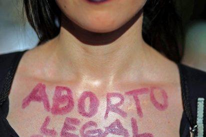 Las mujeres venezolanas piden al dictador Maduro la legalización del aborto en la Constituyente