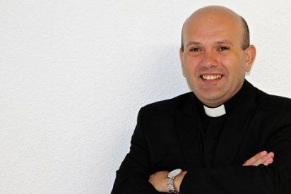 Un cura propone como presidente del Gobierno al Sagrado Corazón... y celebrarlo con Beefeater