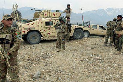 Terrible explosión sacude una reunión entre los talibanes y militares afganos en medio del cese al fuego