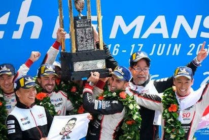 El español Fernando Alonso conquista las 24 Horas de Le Mans