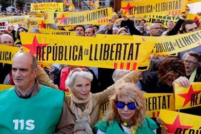 La independentista ANC creará una lista de empresas afines a 'la república catalana' para favorecerlas