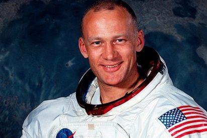 El primer selfie en el espacio lo hizo este astronauta