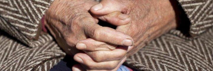 ¿Sabes por qué las personas mayores viven sólas cada vez más?