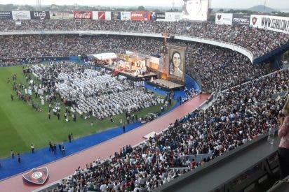 El Papa alaba a la beata Chiquitunga y pide a los jóvenes paraguayos que imiten su alegría y generosidad